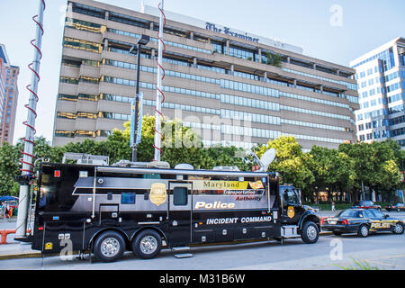 Baltimore Maryland Baltimore Examiner building police vehicle incident-command truck public safety emergency response - Stock Photo