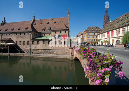 Pont Corbeau with view on the old duty house and the cathedral of Strasbourg, Alsace, Bas-Rhin, France, Europe - Stock Photo