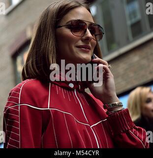London, UK. 18th Feb, 2018. LONDON- 19 February 2018 Olivia Palermo on the street during the London Fashion Week - Stock Photo