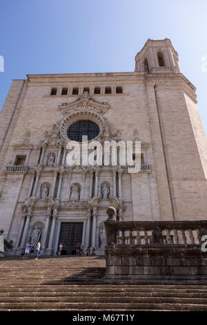 Tourists on the steps leading to La Catedral de Girona (Girona Cathedral), Catalonia, Spain - Stock Photo