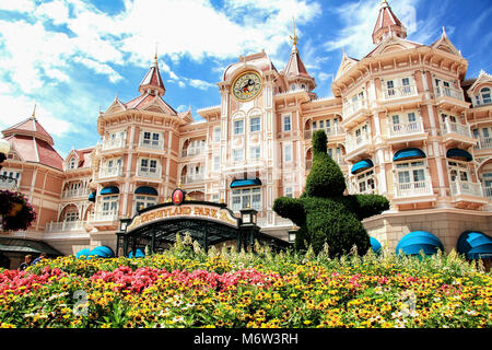 The Disneyland Hotel at Eurodisney in Paris is a luxury, five star hotel and the main entrance to the Disneyland - Stock Photo