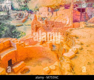 LOng House, Mesa Verde National Park, Colorado, Wetherhill Mesa HUge Anasazu cliff dwelling - Stock Photo