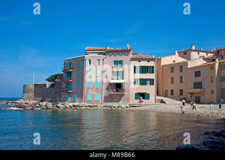 Tour Vieille, old harbour of Saint-Tropez, french riviera, South France, Cote d'Azur, France, Europe - Stock Photo