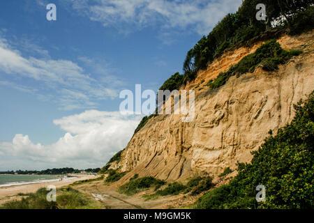Beach and cliffs view towards Mudeford, near Highcliffe Castle near Christchurch, Doreset, UK - Stock Photo