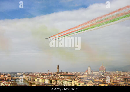 Florence, Italy - 28th March, 2018. Airshow of PAN Frecce Tricolori. The Frecce Tricolori in the sky of Florence for 95th birthday of the Italian Air Force in Florence. The team flies the Aermacchi MB-339-A/PAN. Credit: dan74/Alamy Live News  - Stock Photo