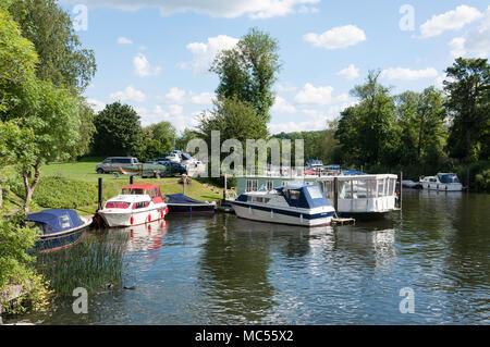 Boats moored at Hambleden Lock, Mill End, Buckinghamshire, England, United Kingdom - Stock Photo