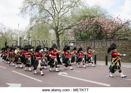 London, UK. 23rd April 2018. Queen's guards rehearsing for Trooping The Colour on St George's Day. (C) Jonathan James Syer / Alamy Live News - Stock Photo