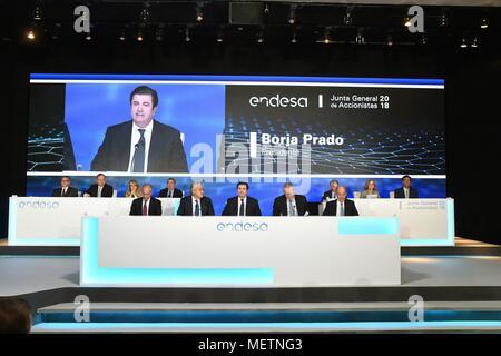 Madrid, Spain. 23rd Apr, 2018. President of Endesa, Borja Prado (c), attends the company's shareholders meeting in Madrid, Spain, 23 April 2018. Credit: Fernando Villar/EFE/Alamy Live News - Stock Photo