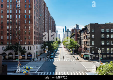 View from the High Line, Chelsea. Tenth Avenue and West 23rd Street Manhattan NYC - Stock Photo
