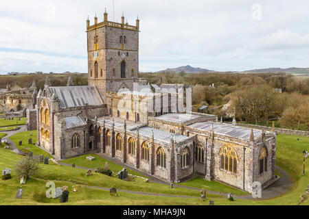St David's Cathedral, in St Davids, Pembrokeshire. The smallest city in the UK.. - Stock Photo