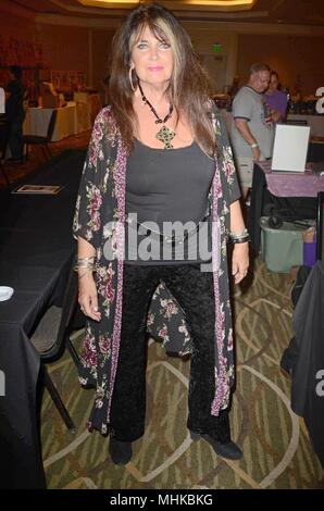 Los Angeles, CA, USA. 28th Apr, 2018. Caroline Munro at arrivals for The Hollywood Show, Westin LAX, Los Angeles, CA April 28, 2018. Credit: Priscilla Grant/Everett Collection/Alamy Live News - Stock Photo