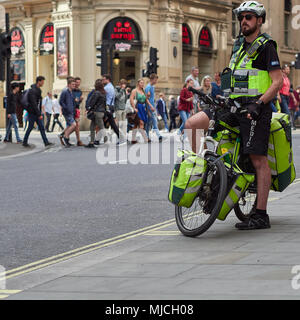 NHS London Ambulance Paramedic on a bicycle in London, UK. 2018. - Stock Photo
