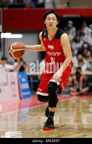 Tokyo, Japan. 6th May, 2018. Daiki Tanaka (ALVARK) Basketball : 2017-18 B.LEAGUE B1 game between Alvark Tokyo 106-68 Kyoto Hannaryz at Tachikawa Tachihi Arena in Tokyo, Japan . Credit: Yusuke Nakanishi/AFLO SPORT/Alamy Live News - Stock Photo