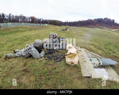Soldiers with Alpha Company, 287th Infantry, 2nd Brigade Combat Team of Fort Drum, N.Y., conduct live-fire training at a range on North Post during operations for the Vigilant Shield exercise Nov. 3, 2017, at Fort McCoy, Wis. More than 100 Soldiers with 10th Mountain Division units of Fort Drum, N.Y., deployed to Fort McCoy in late October to participate in the emergency deployment readiness exercise. (U.S. Army Photo by Greg Mason, Fort McCoy Multimedia/Visual Information Office, Fort McCoy, Wis.) - Stock Photo