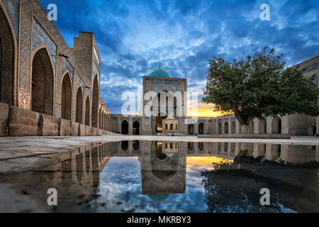 Inner courtyard of the Kalyan Mosque, part of the Po-i-Kalyan Complex in Bukhara, Uzbekistan - Stock Photo