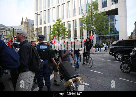 Manchester, UK. 15th May 2018. Greater Manchester Police TAU attempt to prevent marchers using the road for a protest.  Campaigners marched and held a sit down protest outside the University in  solidarity with Gaza and calling for Manchester University to Boycott,Divest and sanction Israel, Oxford Road, Manchester,15th May, 2018 (C)Barbara Cook/Alamy Live News - Stock Photo