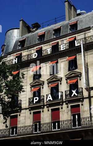 PARIS FRANCE - PARIS HOTEL - PARIS FAMOUS HOTEL DU NORD ALONG CANAL ST MARTIN - PARISIAN HOTELS - PARIS SMALL HOTEL © Frédéric BEAUMONT - Stock Photo