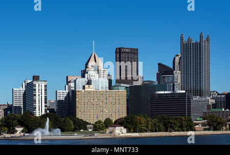 City skyline at the Three Rivers intersection, Pittsburgh, Pennsylvania, USA. - Stock Photo