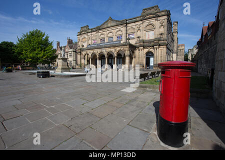 York Art Gallery and Exhibition Square, York, England - Stock Photo