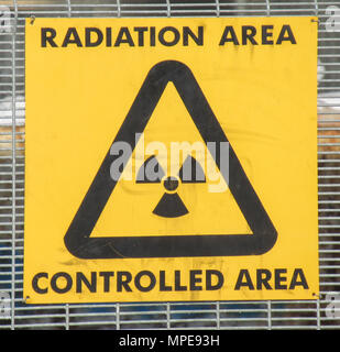 Radiation controlled area warning sign - Stock Photo