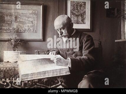 Joris-Karl Huysmans (1848-1907). Creator: Dornac. - Stock Photo