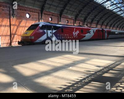 VTEC 91 91101 Flying Scotsman heads south to Kings Cross from Darlington - Stock Photo