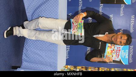 Manchester,Uk, Peter Andre signs copies of his new childrens books at Whsmith Trafford Centr, Credit Ian Fairbrother/Alamy Stock Photos - Stock Photo