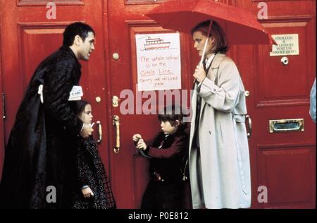 Original Film Title: ONE FINE DAY.  English Title: ONE FINE DAY.  Film Director: MICHAEL HOFFMAN.  Year: 1996.  Stars: GEORGE CLOONEY; MICHELLE PFEIFFER; MAE WHITMAN; ALEX D. LINZ. Credit: 20TH CENTURY FOX / ARONOWITZ, MILES / Album - Stock Photo