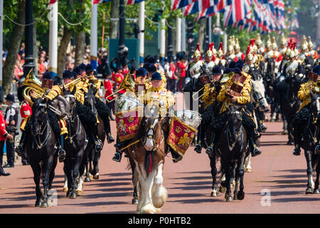 The mounted bands of the Household Calvary at Trooping the Colour and Queens Birthday Parade on Saturday 9 June 2018 in Buckingham Palace , London. Pictured: The mounted bands of the Household Calvary, return from Horseguards Parade. Picture by Julie Edwards. Credit: Julie Edwards/Alamy Live News - Stock Photo