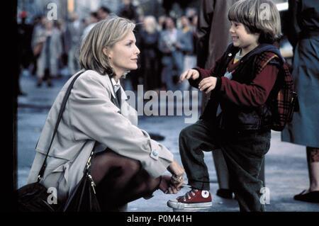 Original Film Title: ONE FINE DAY.  English Title: ONE FINE DAY.  Film Director: MICHAEL HOFFMAN.  Year: 1996.  Stars: MICHELLE PFEIFFER; ALEX D. LINZ. Credit: 20TH CENTURY FOX / ARONOWITZ, MILES / Album - Stock Photo