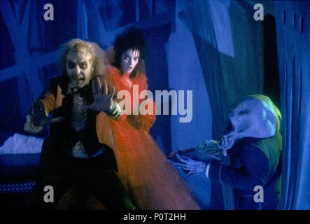 Original Film Title: BEETLEJUICE.  English Title: BEETLEJUICE.  Film Director: TIM BURTON.  Year: 1988.  Stars: WINONA RYDER; MICHAEL KEATON. Credit: GEFFEN FILM/WARNER BROTHERS / Album - Stock Photo