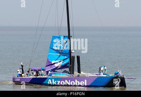 Cardiff Bay, Cardiff, Wales UK. 10th June 2018  AkzoNobel, leaves port to prepare for the start of The Volvo Ocean Race  Leg 10 Cardiff to Gothenburg. Credit: Phillip Thomas/Alamy Live News - Stock Photo