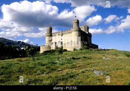 Comunidad Autónoma de Madrid: Manzanares El Real castle at the Sierra de Guadarrama mountain range. - Stock Photo