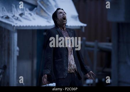 Original Film Title: 30 DAYS OF NIGHT.  English Title: 30 DAYS OF NIGHT.  Film Director: DAVID SLADE.  Year: 2007.  Stars: JOHN RAWLS. Credit: GHOST HOUSE PICTURES/COLUMBIA PICTURES/DARK HORSE ENTERTAINM / GRIFFIN, KIRSTY / Album - Stock Photo