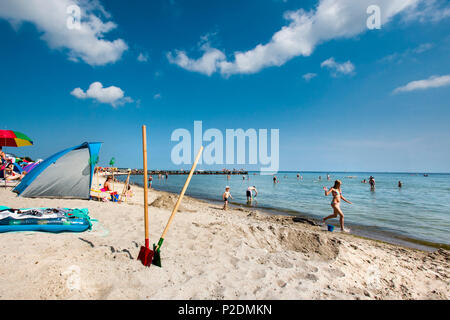 Children playing on the beach, South beach, Burgtiefe, Fehmarn island, Baltic Coast, Schleswig-Holstein, Germany - Stock Photo