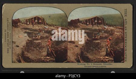 386 Working No. 4 Bonanza, Klondike, from Robert N. Dennis collection of stereoscopic views 2 - Stock Photo