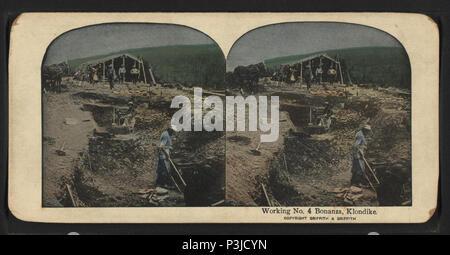 386 Working No. 4 Bonanza, Klondike, from Robert N. Dennis collection of stereoscopic views 4 - Stock Photo