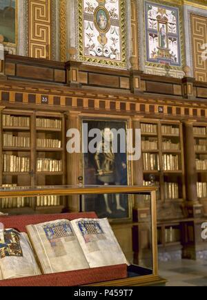 LIBRO DE JUEGOS EXPUESTO EN SU VITRINA. Author: Alfonso X of Castile the Wise (1221-1284). Location: MONASTERIO-BIBLIOTECA-EDIFICIO, SAN LORENZO DEL ESCORIAL, MADRID, SPAIN. - Stock Photo