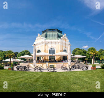 The Cafe Restaurant Kaiserpavillon was built in 1759, is located in the heart of the Tiergarten Schönbrunn and still o - Stock Photo