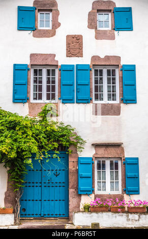 France, Pyrenees Atlantiques, Basque Country, 17th-18th century house (labelled 'Most Beautiful Village in France') - Stock Photo