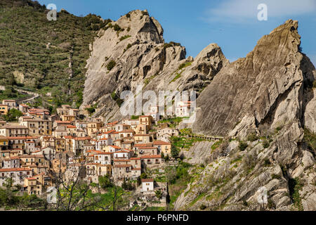 Hill town of Castelmezzano in Lucanian Apennines, Basilicata, Italy - Stock Photo