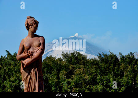 Stadtpark, Villa Bellini, Statue, Etna, Catania, Sizilien, Italien - Stock Photo