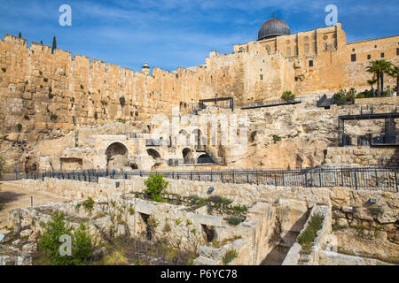Israel, Jerusalem, Jerusalem Archeological Park and Davidson Center, Ophel Wall - Stock Photo