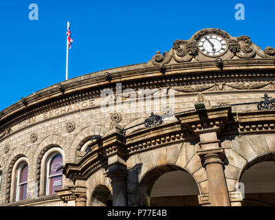 Victorian Corn Exchange building converted to shopping units in Leeds West Yorkshire England - Stock Photo