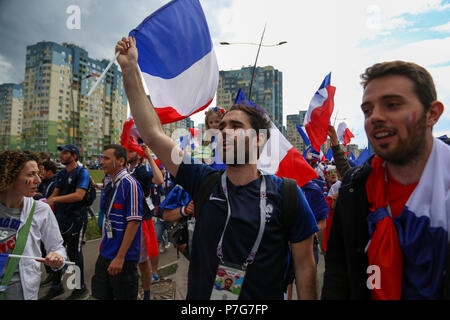 Nizhny Novgorod, Russia. 6th July 2018. French football fans seen celebrating with their national flags. French football fans celebrate their national football team victory over uruguay during the quarterfinal match of the Russia 2018 world cup finals. Credit: SOPA Images Limited/Alamy Live News - Stock Photo