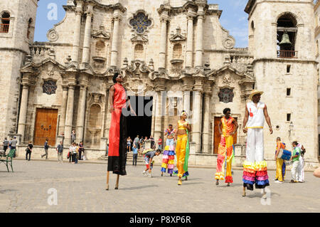 Cuba: Dance-Show in Havanna-City in front of the oldest church - Stock Photo