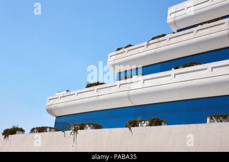 Architectural detail of rooftop terraces on a office building in downtown Jacksonville, Florida - Stock Photo
