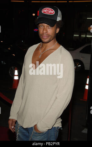 Gary Dourdan arriving at the SNAKE ON A PLANE Premiere at the Chinese Theatre Los Angeles. August 17, 2006.DourdanGary062 Red Carpet Event, Vertical, USA, Film Industry, Celebrities,  Photography, Bestof, Arts Culture and Entertainment, Topix Celebrities fashion /  Vertical, Best of, Event in Hollywood Life - California,  Red Carpet and backstage, USA, Film Industry, Celebrities,  movie celebrities, TV celebrities, Music celebrities, Photography, Bestof, Arts Culture and Entertainment,  Topix, vertical, one person,, from the years , 2006 to 2009, inquiry tsuni@Gamma-USA.com - Three Quarters - Stock Photo