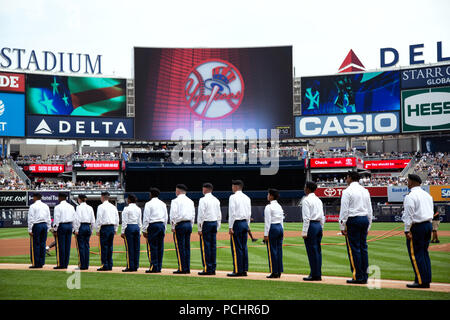 Mass Reenlistment held by the 1st Battalion Army Reserve  Career Division, July 28, 2018 at the Yankee Stadium, New York City, NY. (U.S. Army video by Spc. Daniel Bendjy) - Stock Photo