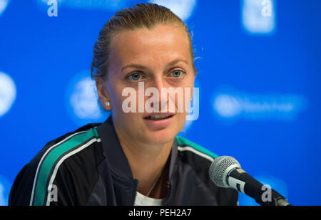 Cincinnati, OH, USA. Cincinnati, Ohio, USA. 15th Aug, 2018. Petra Kvitova of the Czech Republic talks to the media after winning her second-round match at the 2018 Western & Southern Open WTA Premier 5 tennis tournament. Cincinnati, Ohio, USA. August 14th 2018. Credit: AFP7/ZUMA Wire/Alamy Live News - Stock Photo